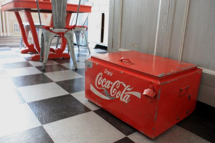 Beau Vintage People Coca ...