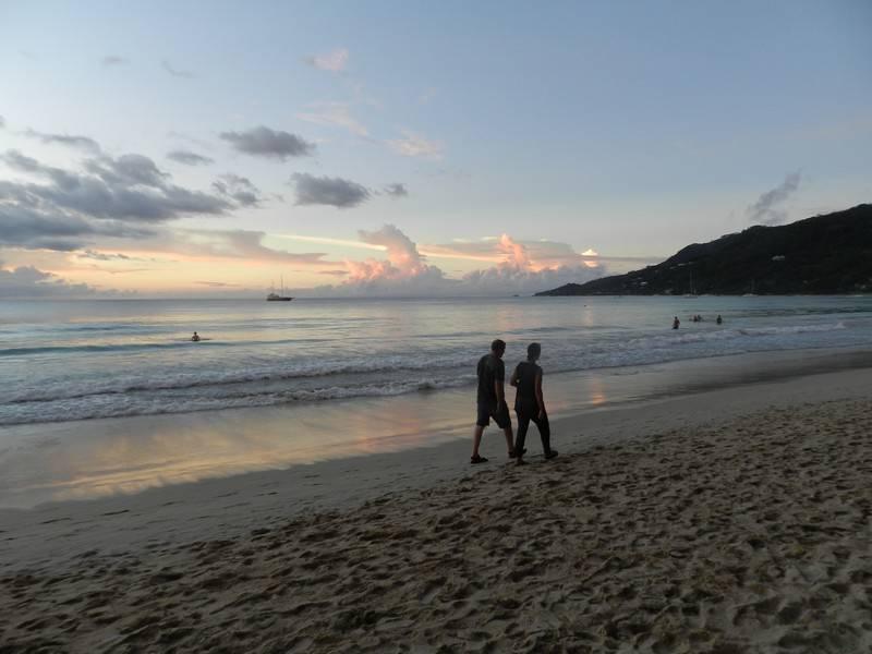 coucher de soleil seychelles