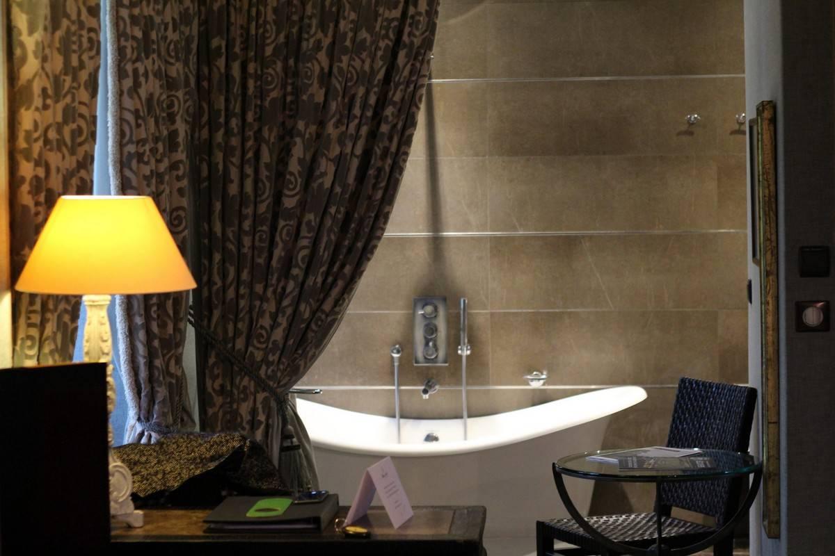 salle_de_bain_chateau_de_fere